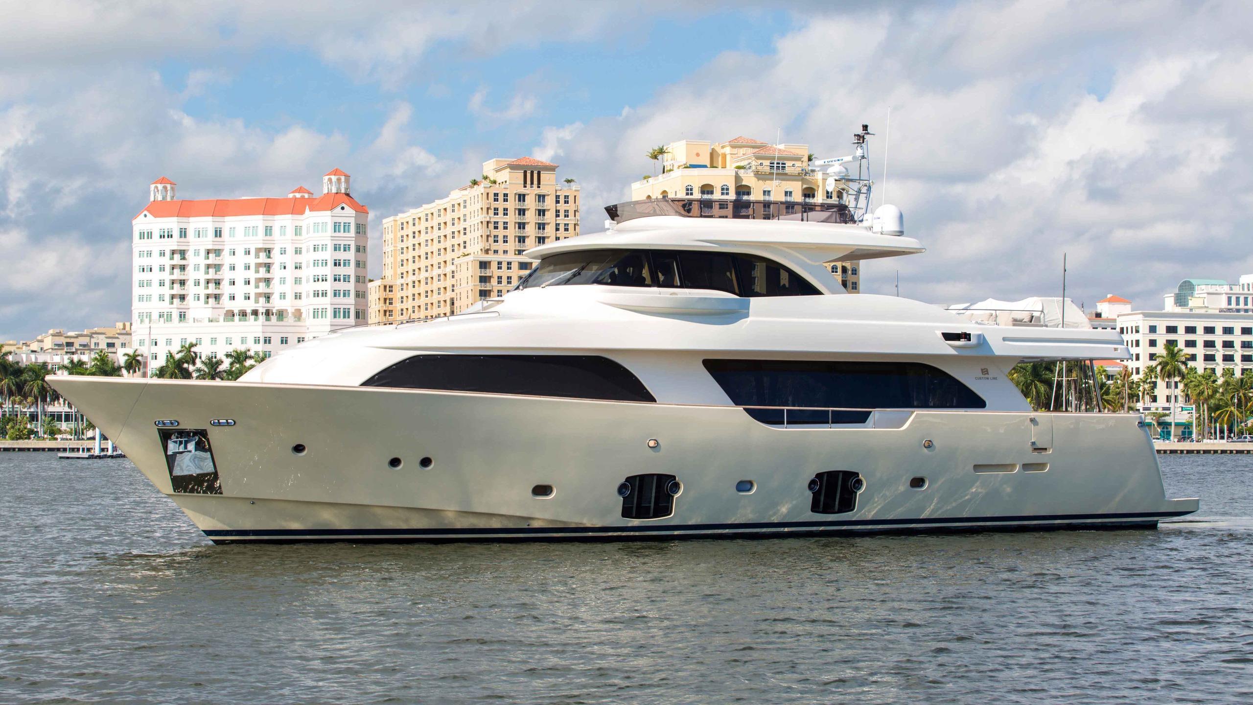 slainte iii north star motoryacht ferretti custom line navetta 26m 2013 half profile