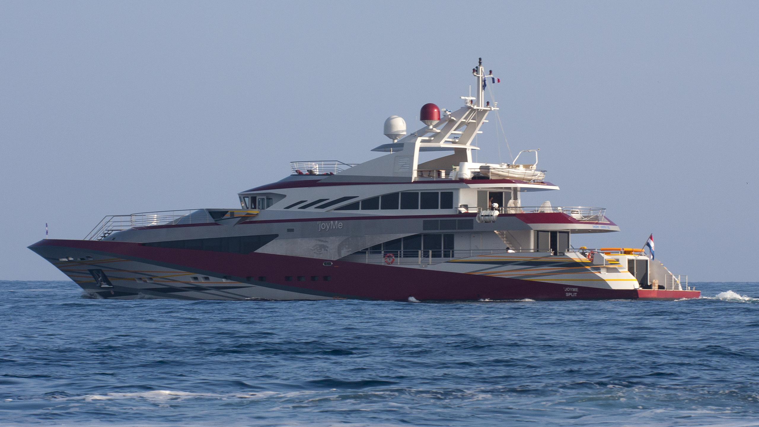 joyme-yacht-exterior