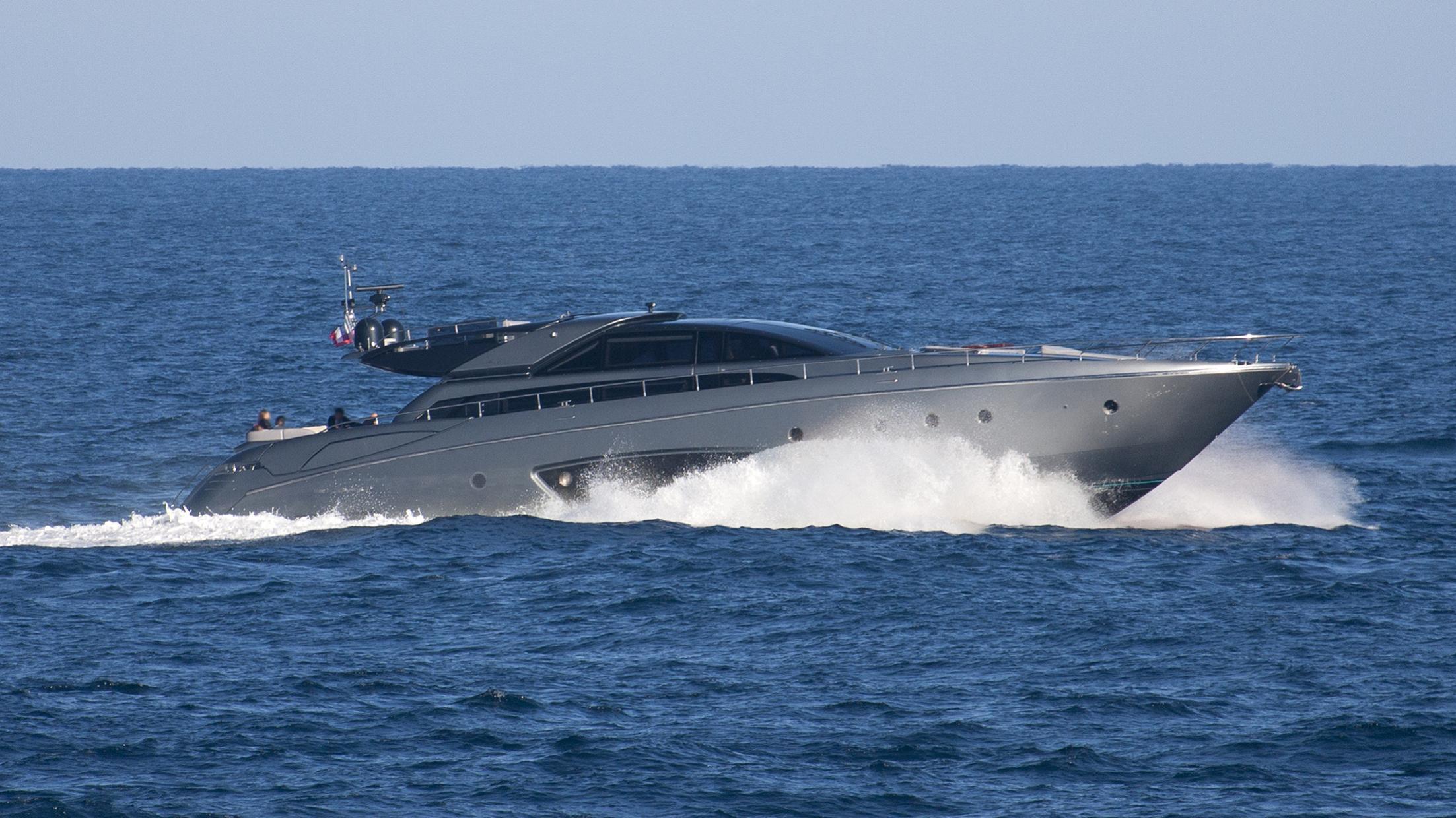 silver-breeze-yacht-exterior