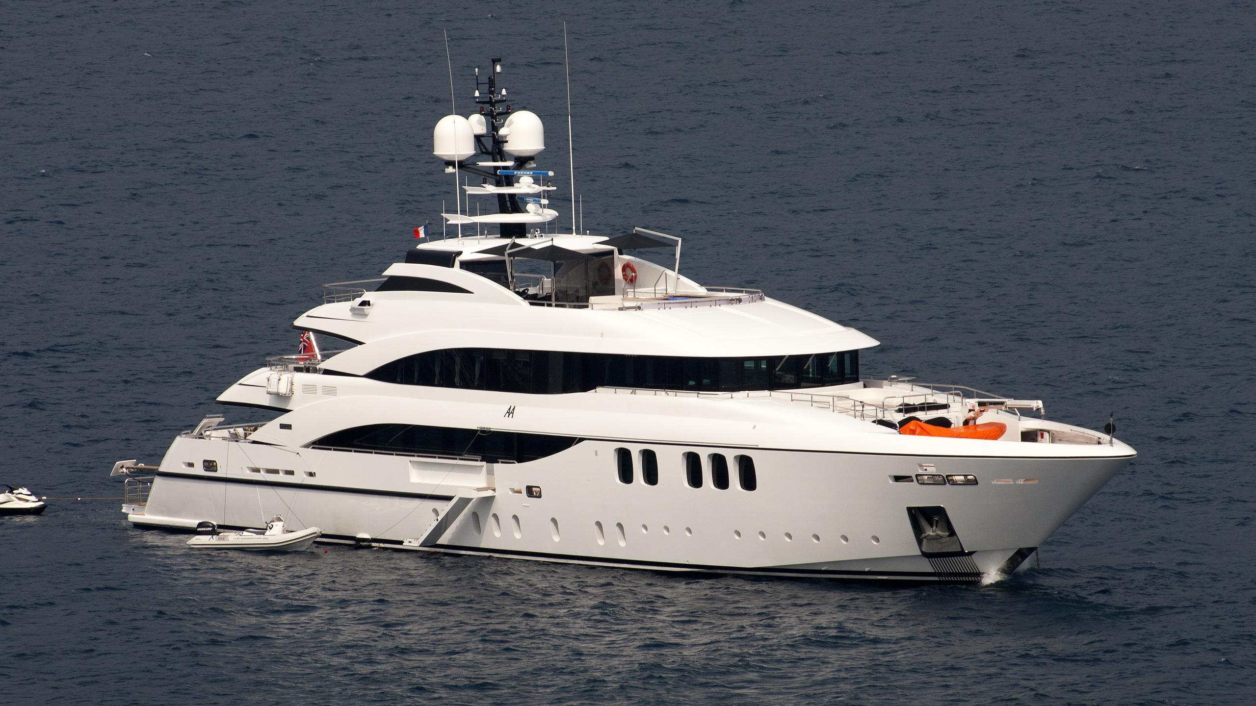 alexander-again-yacht-exterior
