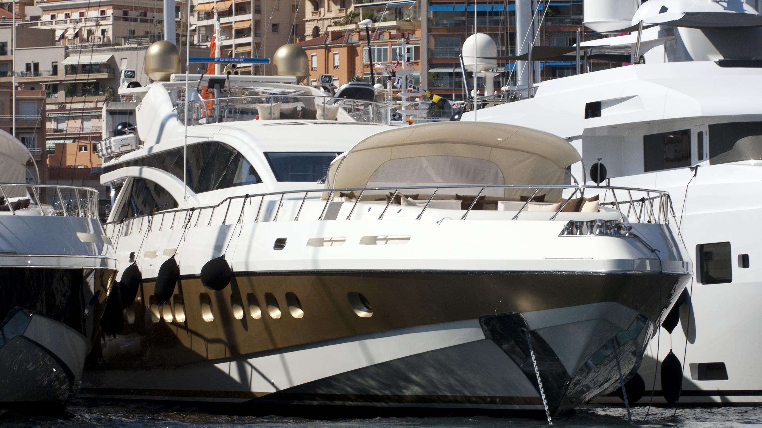 antelope iv motoryacht italyachts leopard 43m 2012 bow