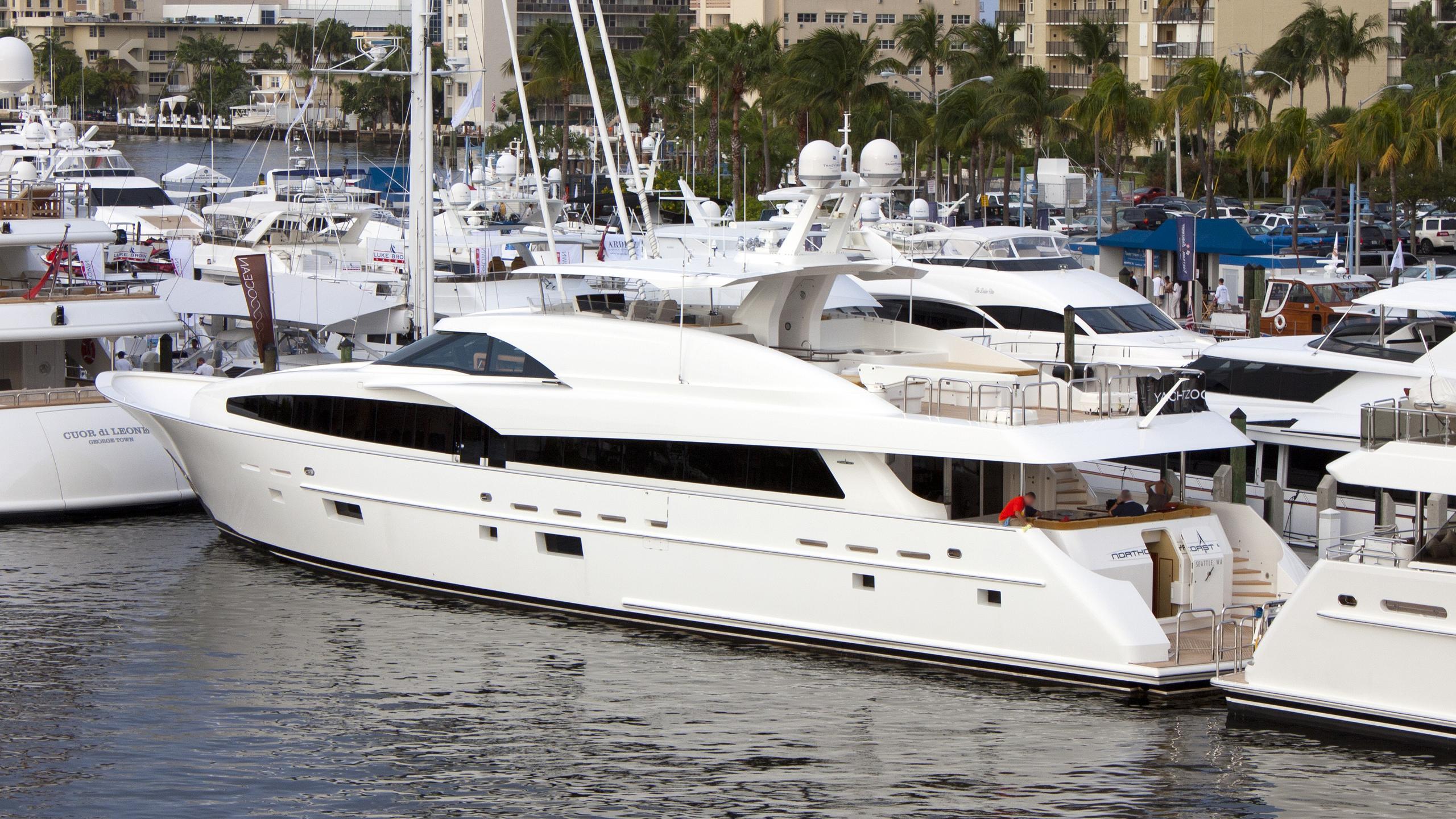 fugitive-yacht-exterior