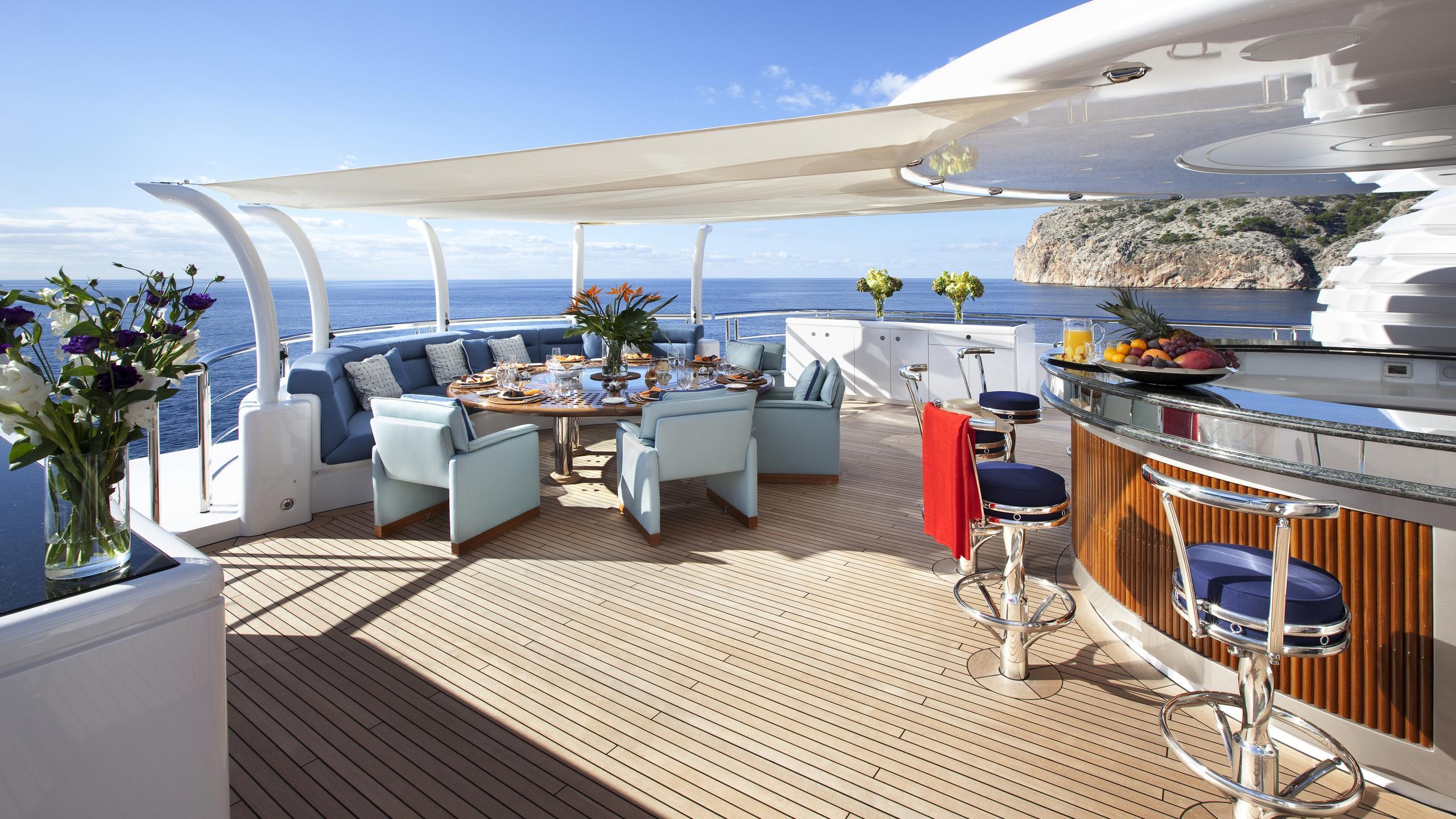 sycara-v-yacht-sun-deck