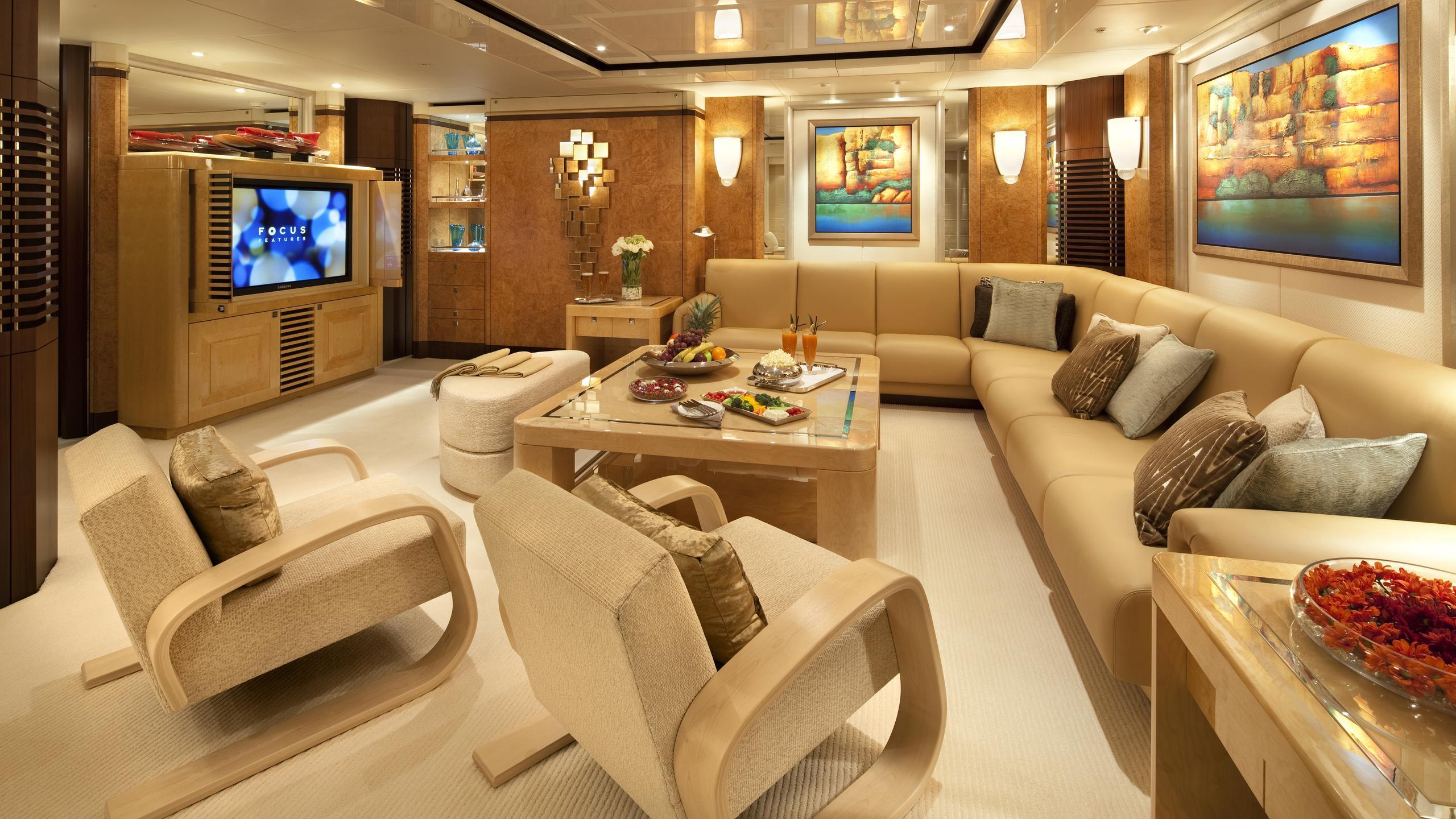sycara-v-yacht-lounge
