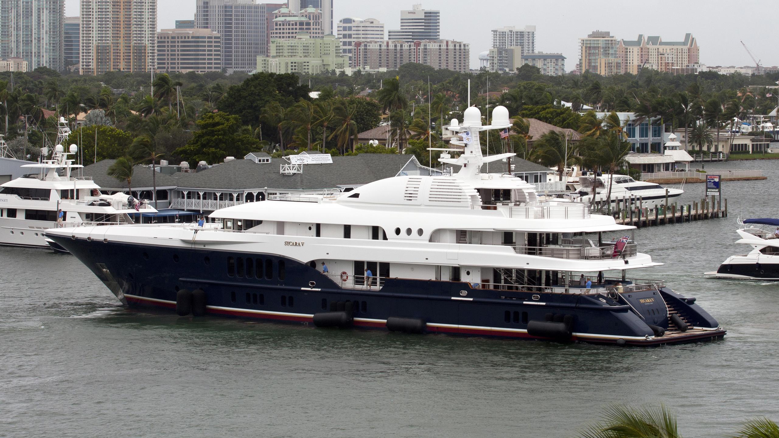 sycara-v-yacht-exterior