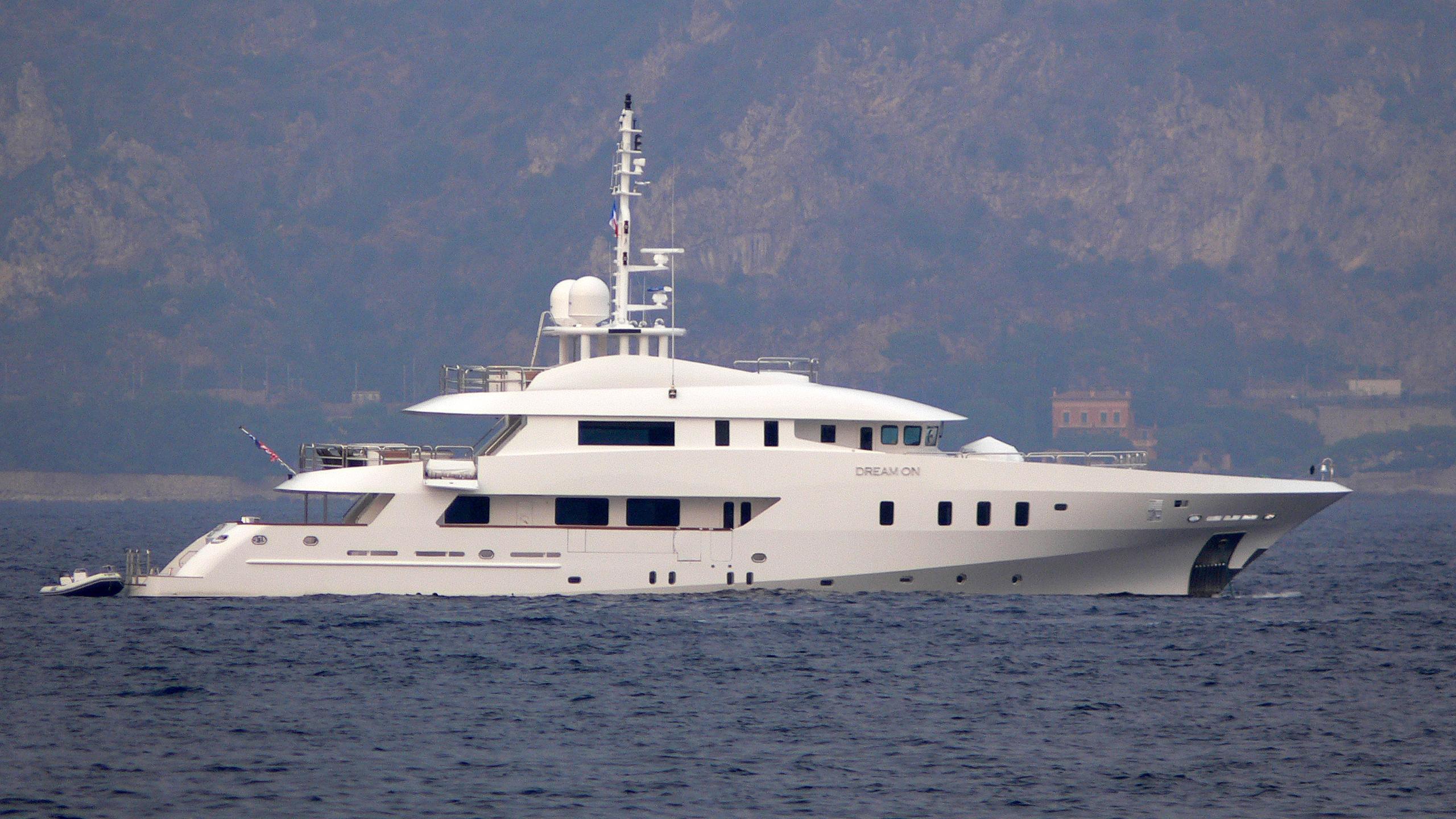 dream-on-yacht-exterior