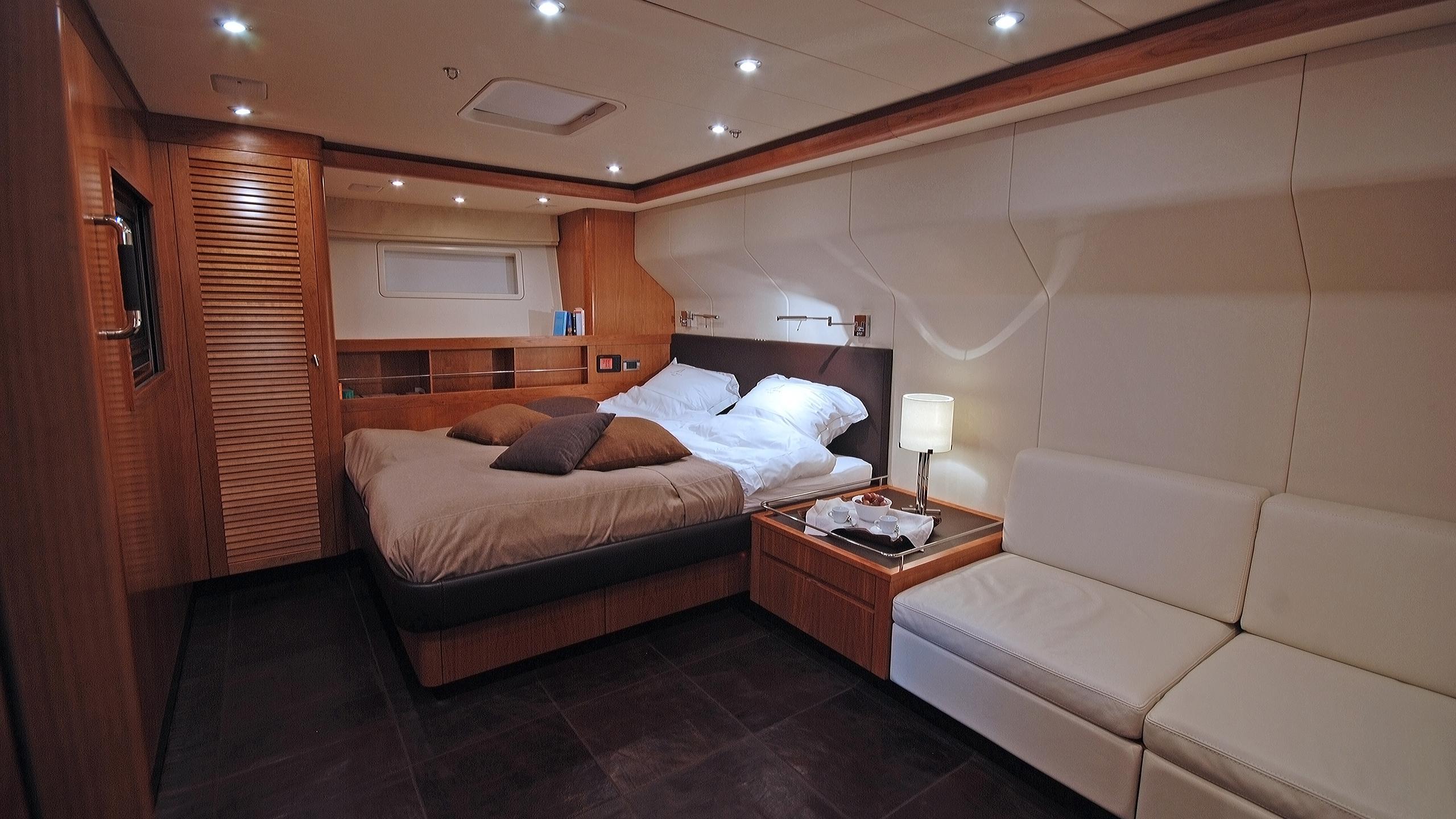 rusalka-yacht-master-cabin