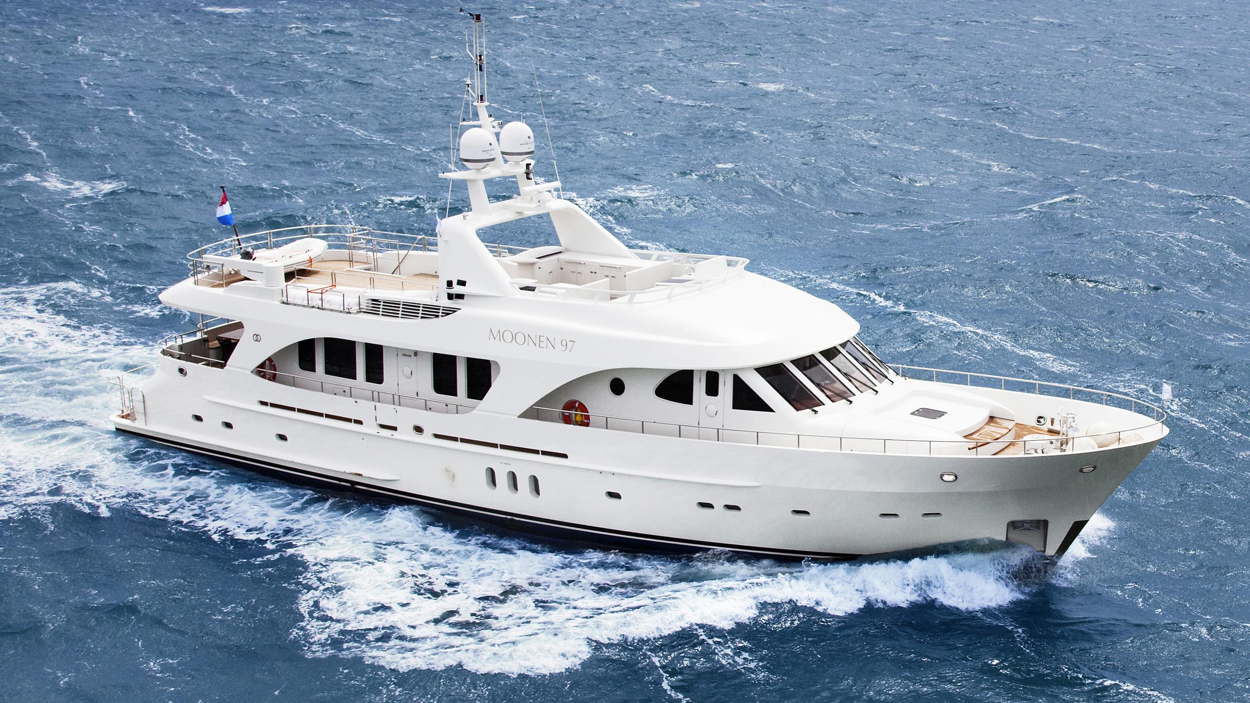 sofia-ii-yacht-cruising