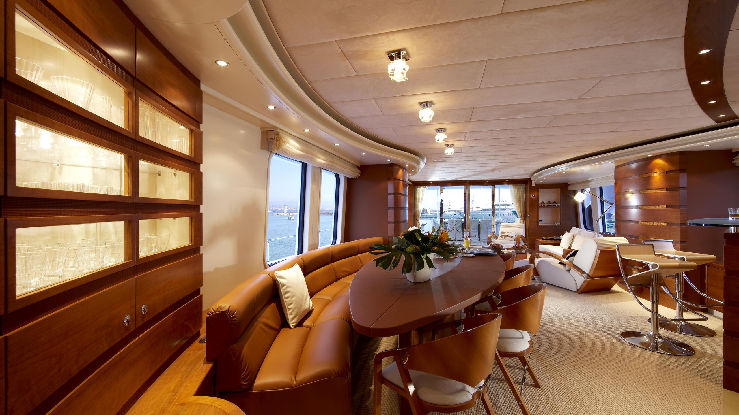 sofia-ii-yacht-dining