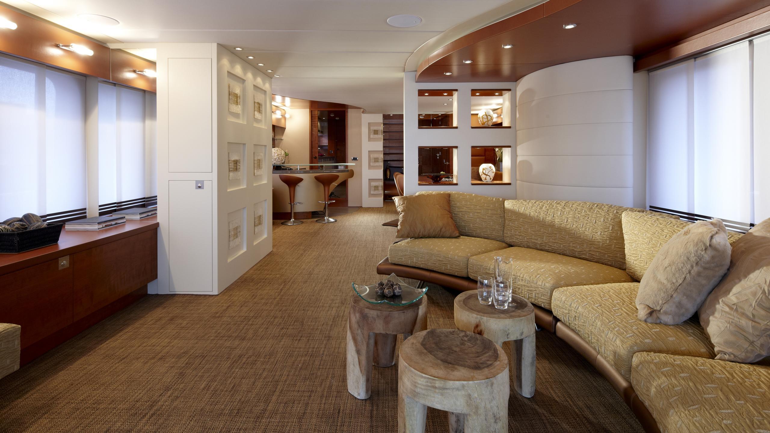 sofia-ii-yacht-lounge
