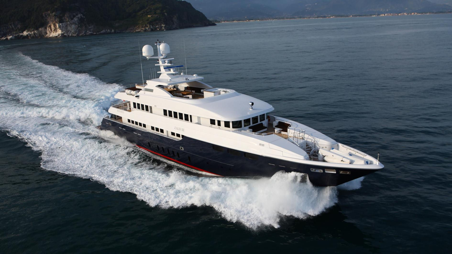 zaliv-iii-yacht-aerial
