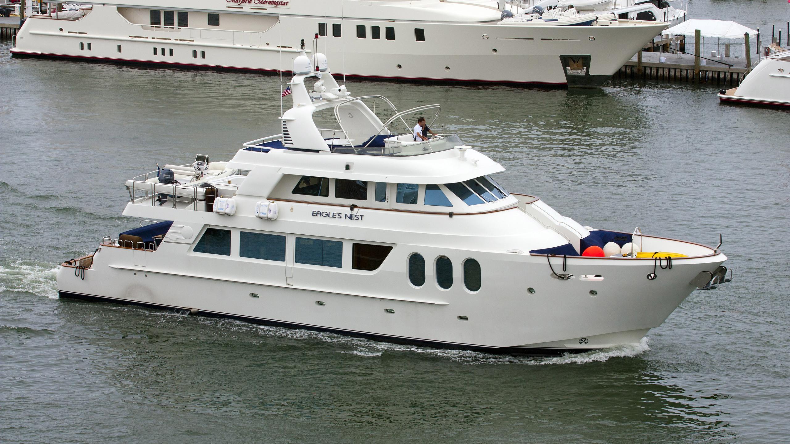 berada-eagles-nest-yacht-mcp-30m-2007-half-profile