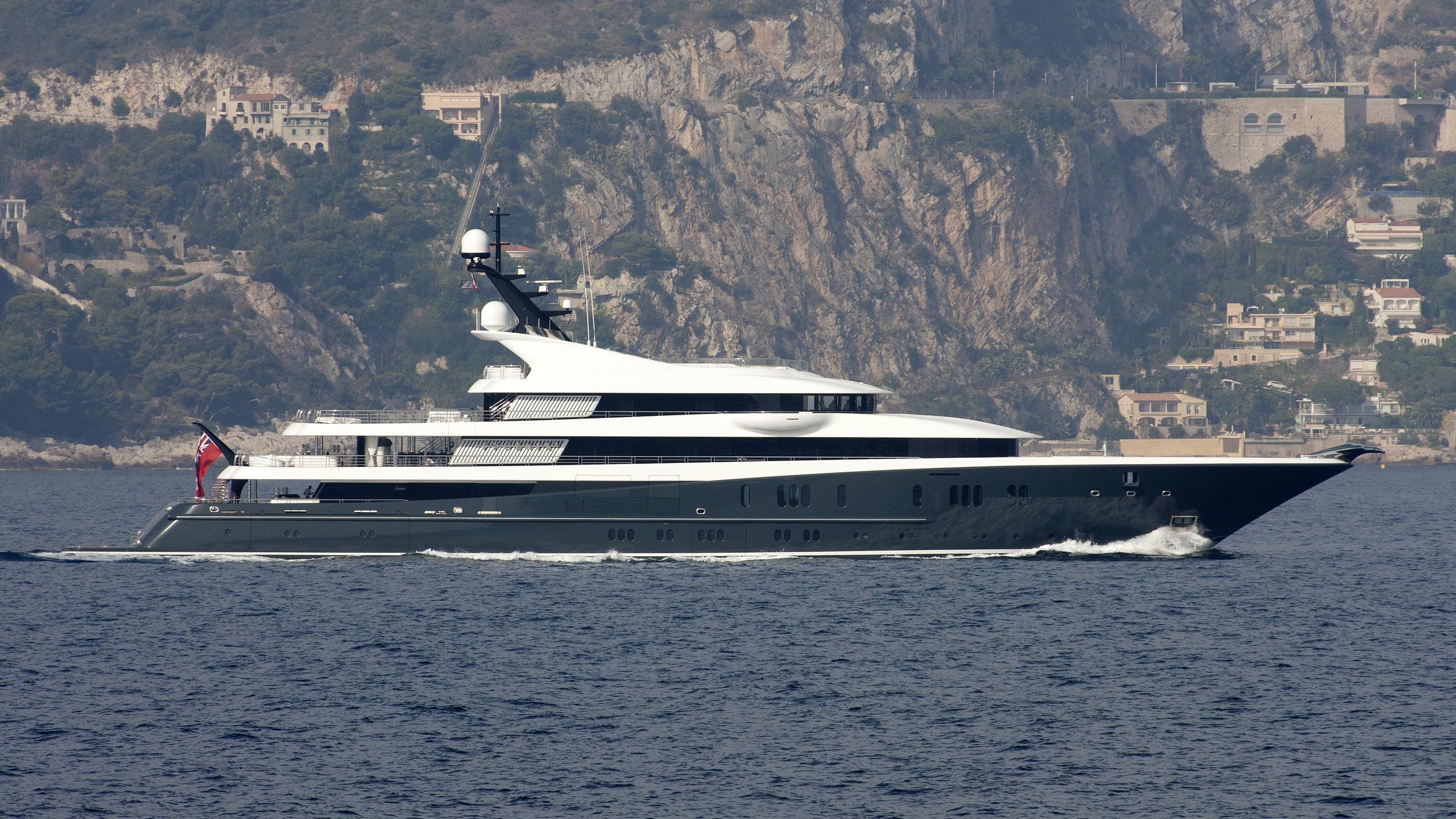 phoenix2-yacht-exterior