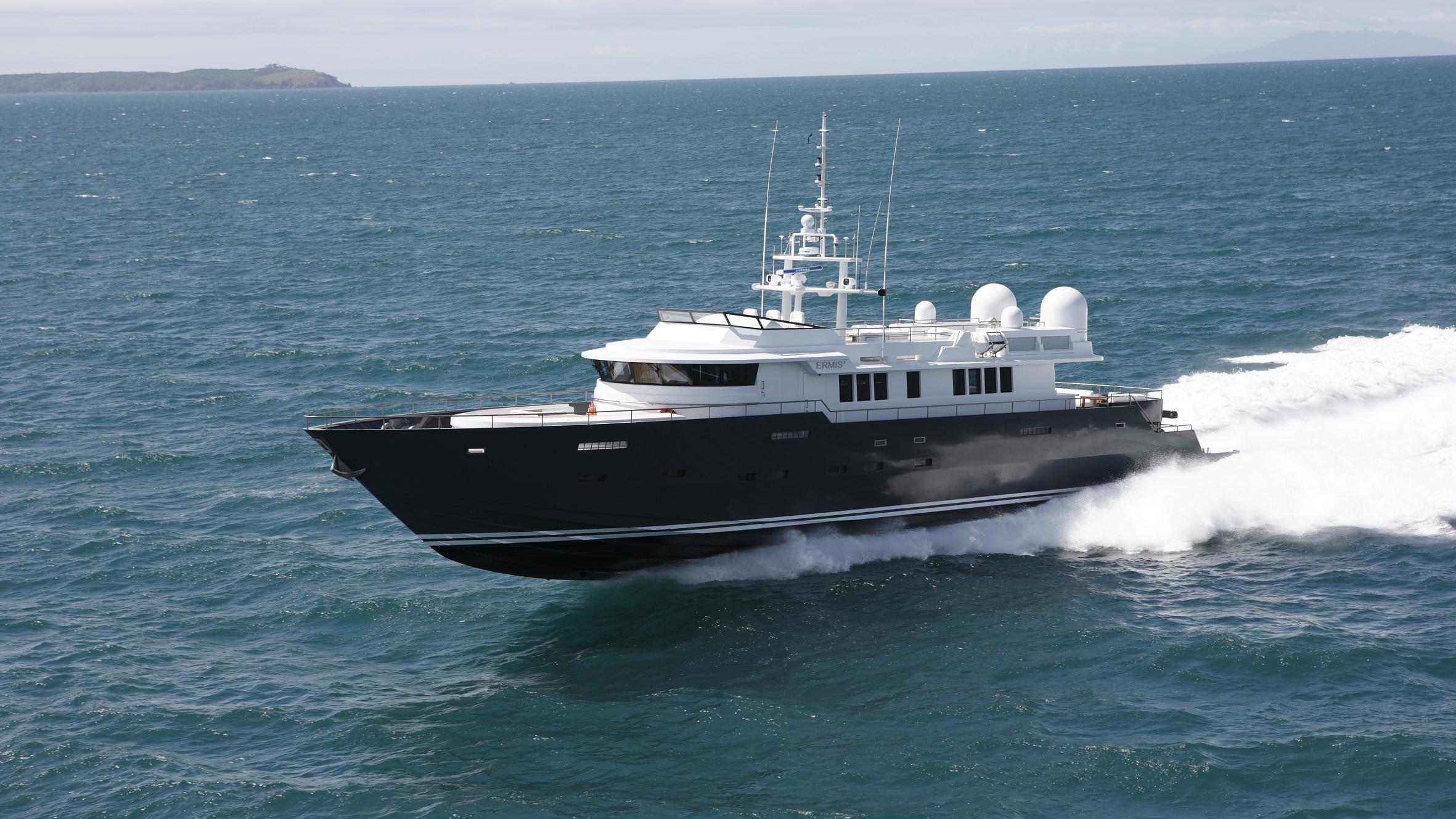 ermis2-yacht-cruising