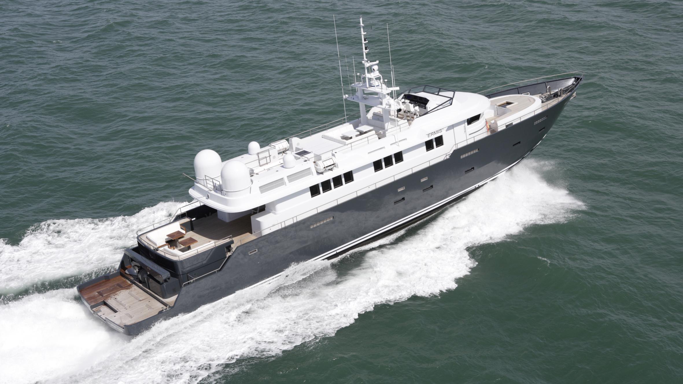 ermis2-yacht-running