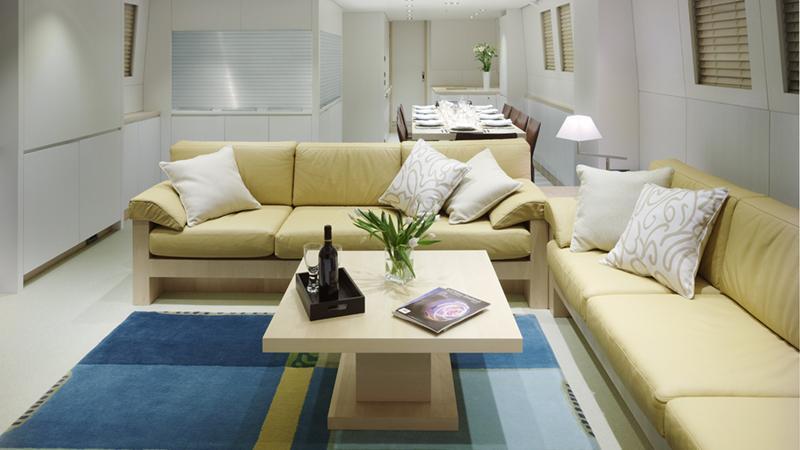 ermis2-yacht-saloon