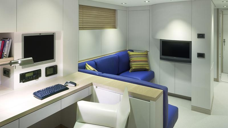 ermis2-yacht-lounge