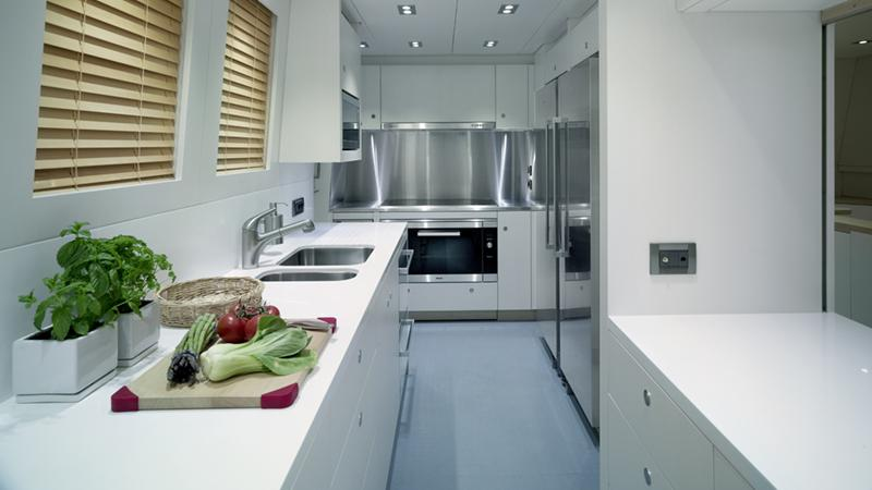 ermis2-yacht-galley