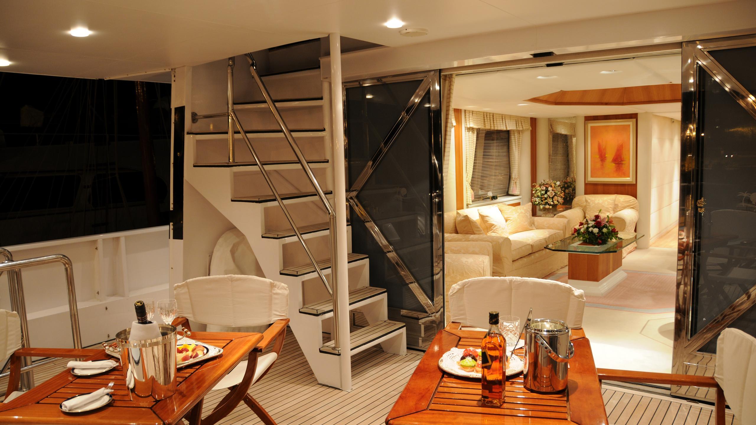 amz-yacht-exterior-staircase