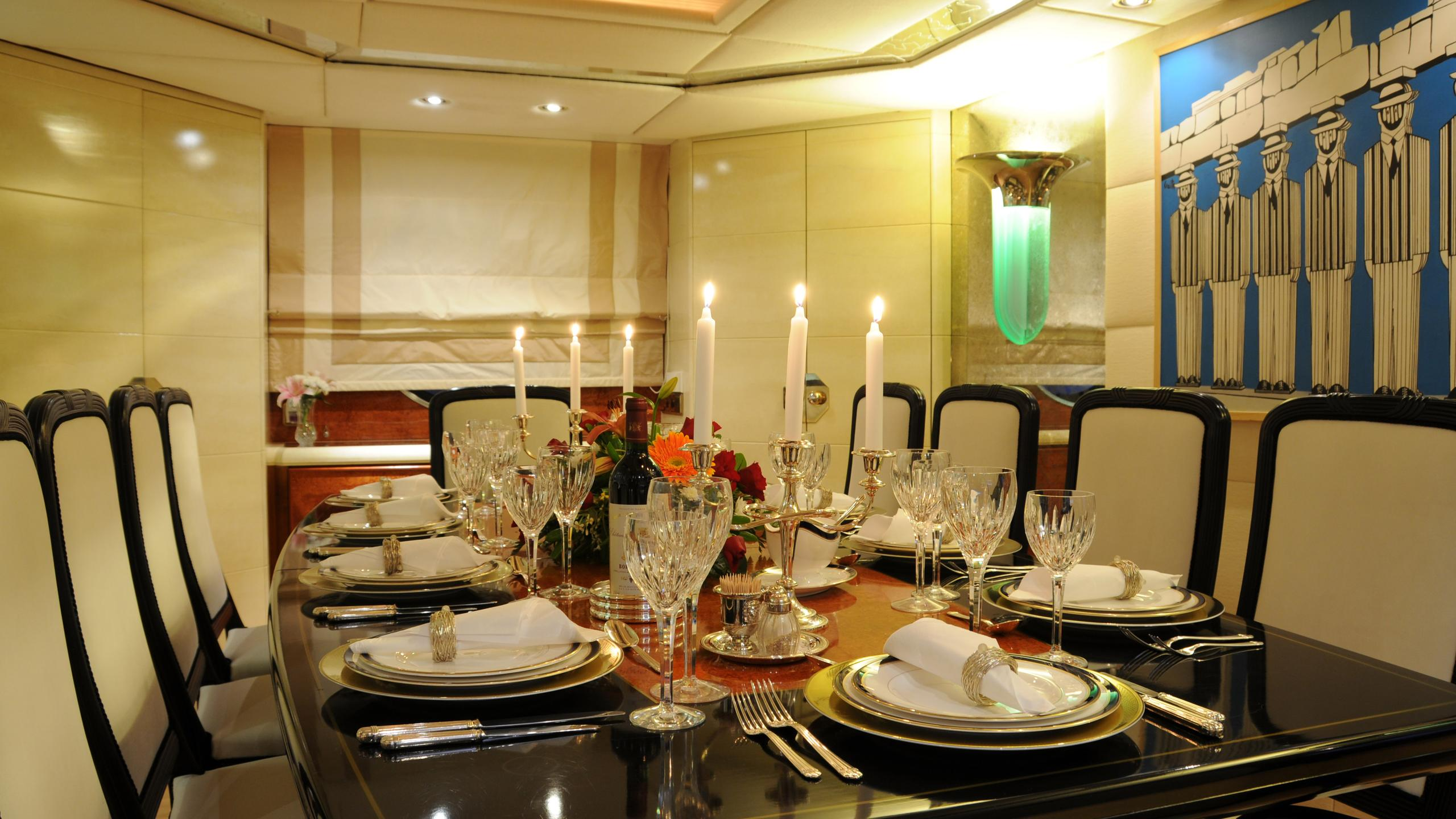 amz-yacht-formal-dining