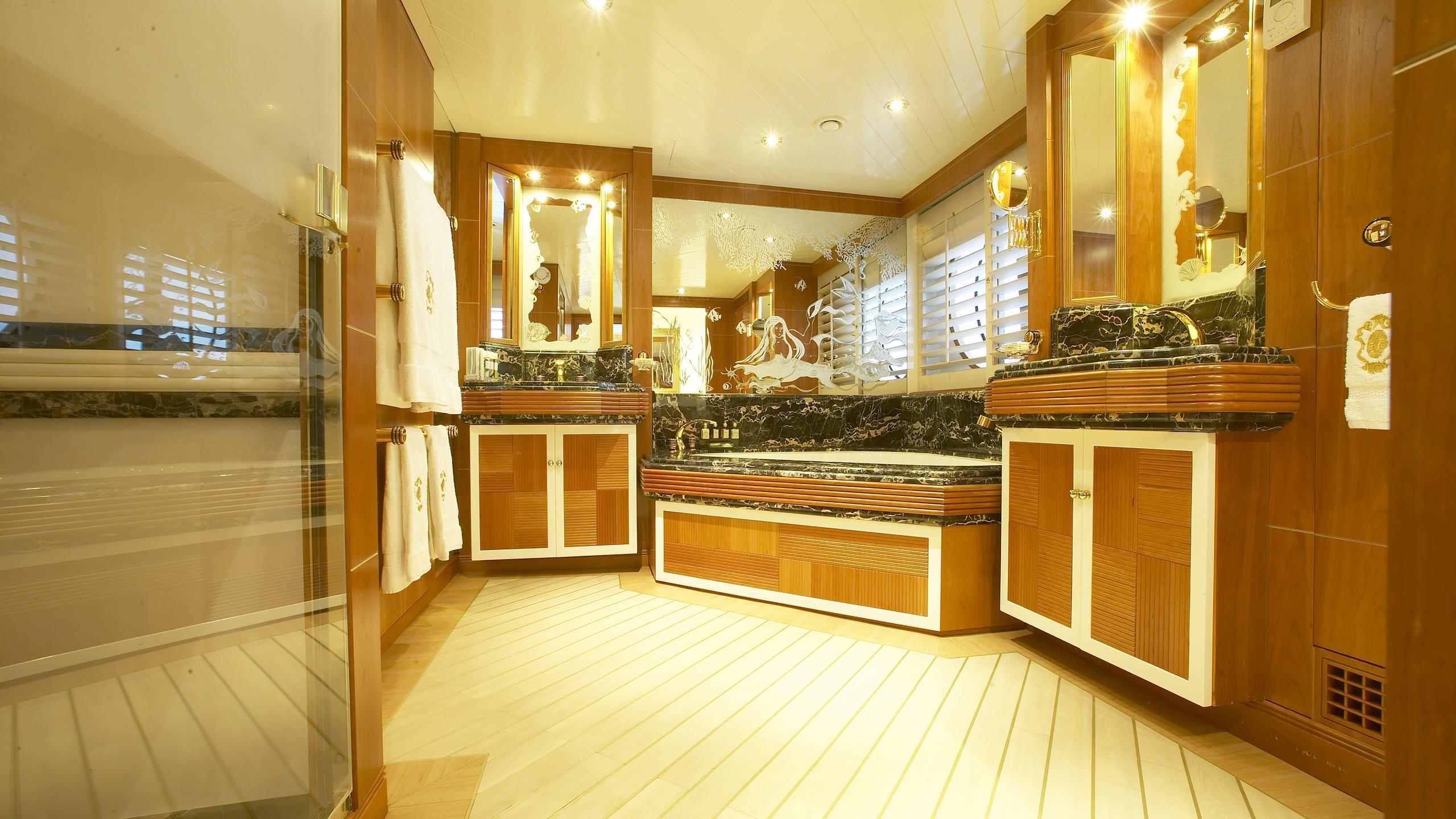 amz-yacht-master-bathroom