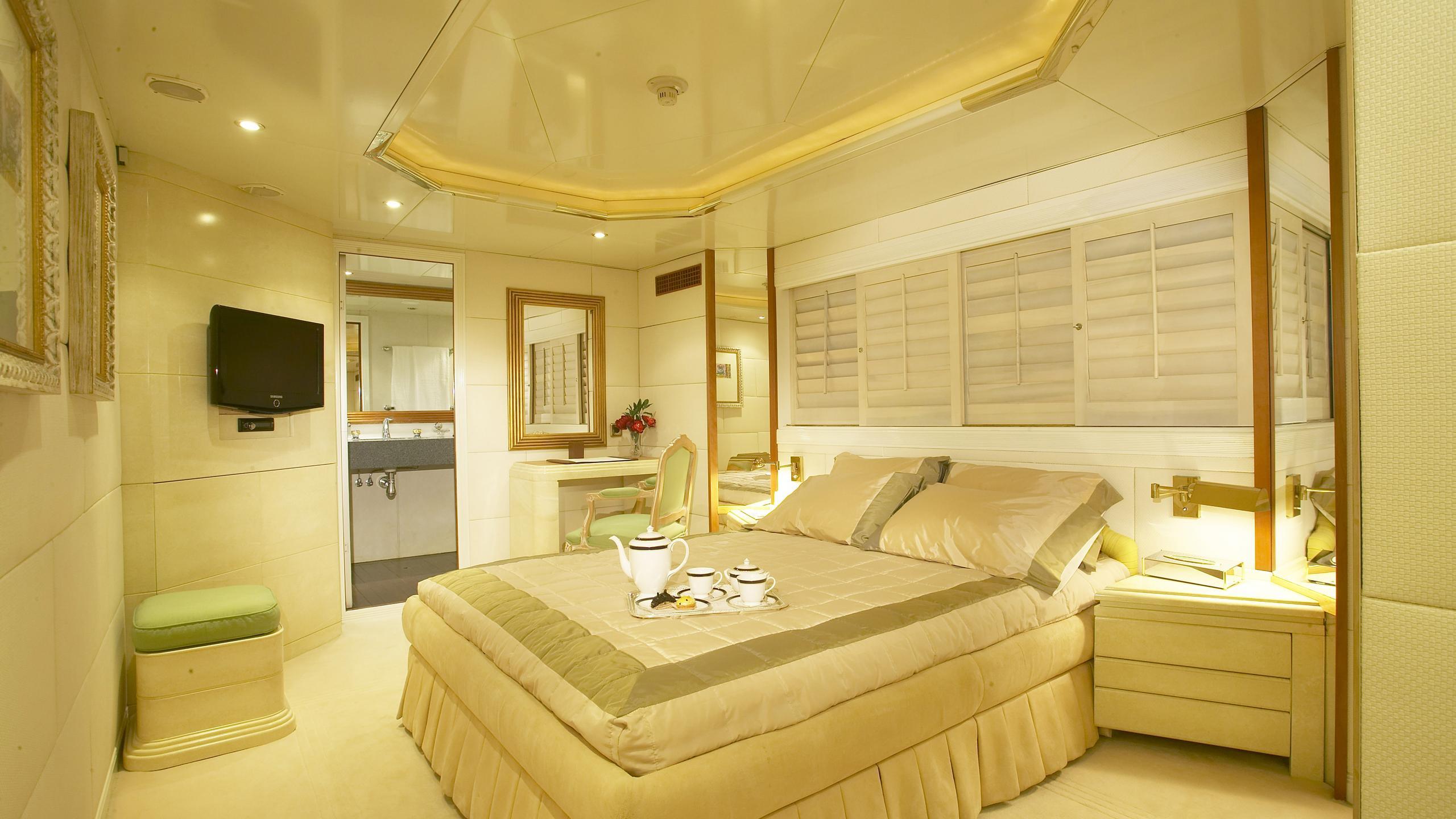amz-yacht-double-cabin