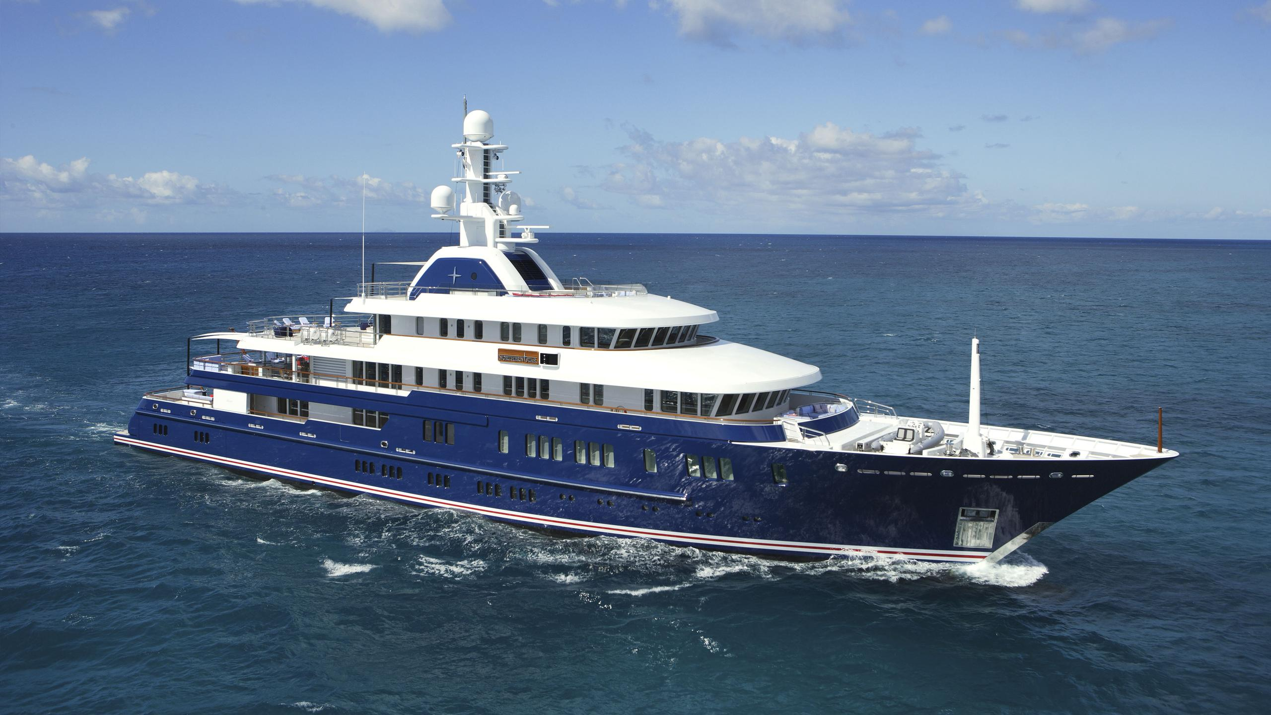 northern-star-yacht-cruising