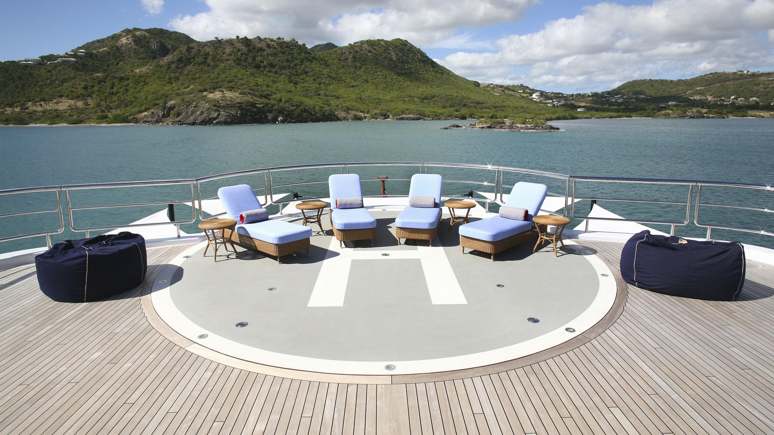northern-star-yacht-helicopter-pad