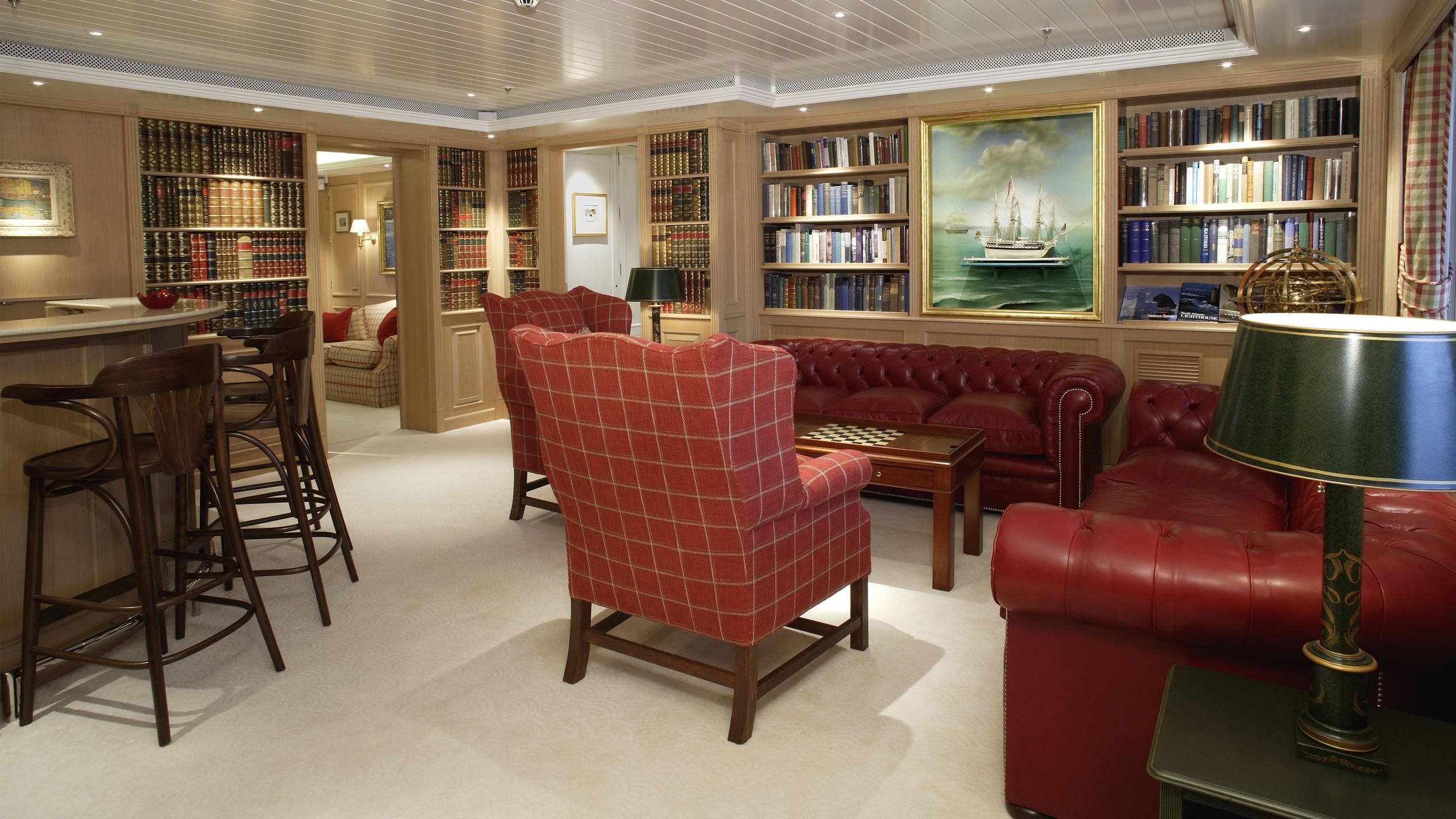 northern-star-yacht-lounge
