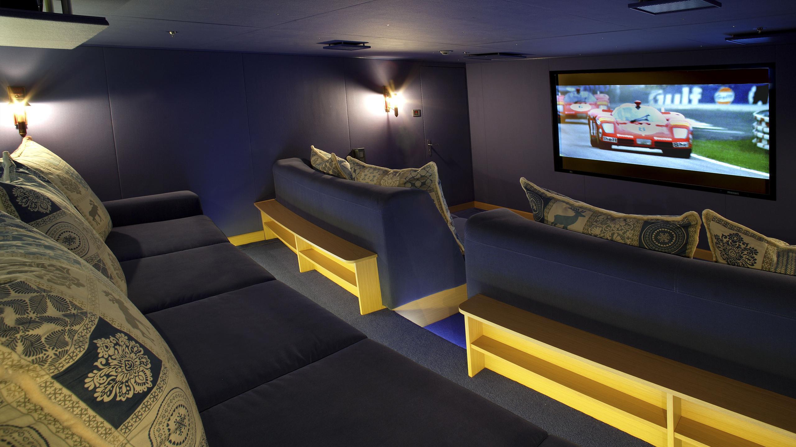 northern-star-yacht-theatre