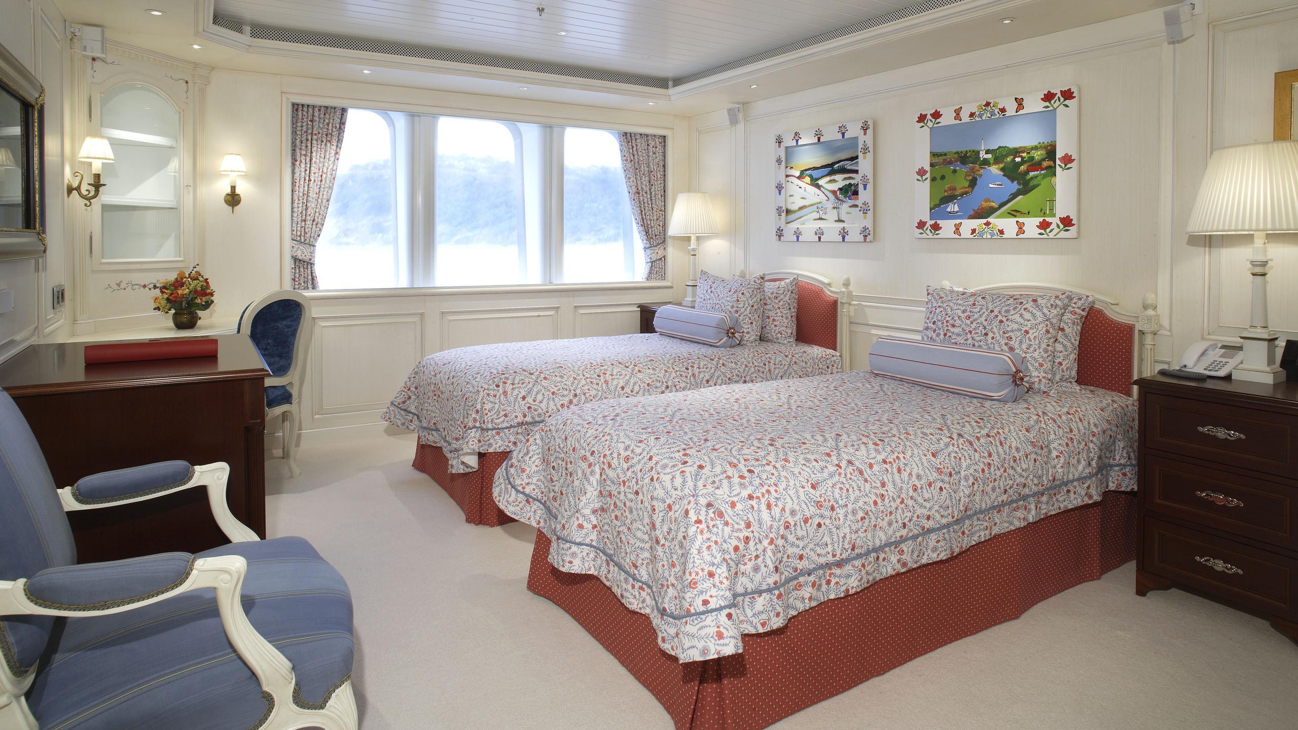 northern-star-yacht-twin-cabin