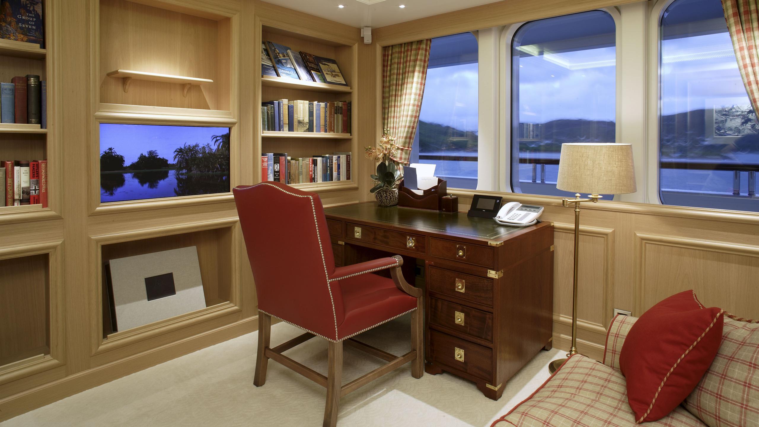 northern-star-yacht-office