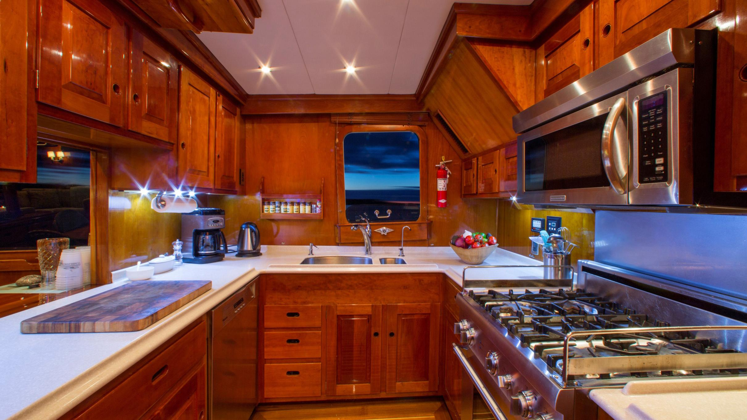 tumblehome-yacht-galley