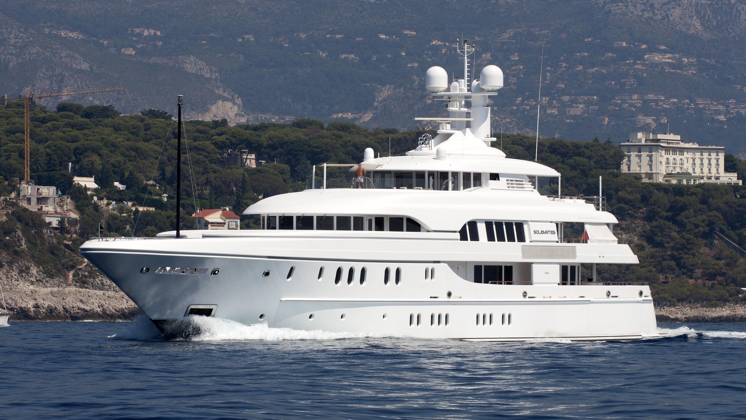 huntress-motor-yacht-lurssen-2010-60m--profile