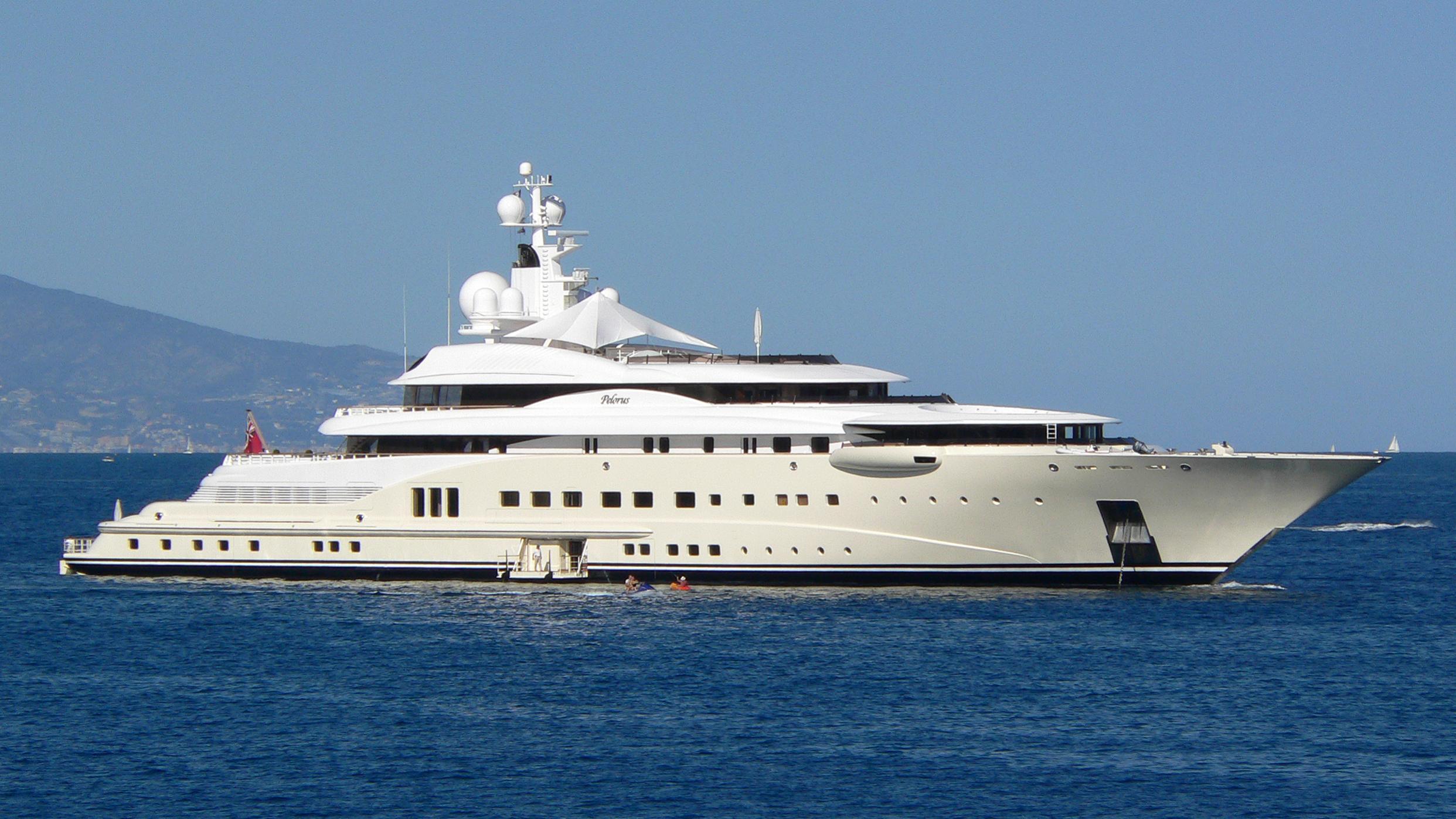pelorus-yacht-exterior