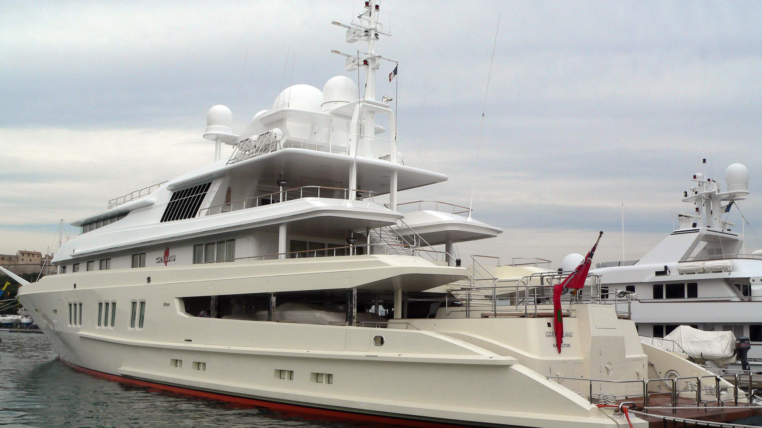 coral-island-yacht-exterior