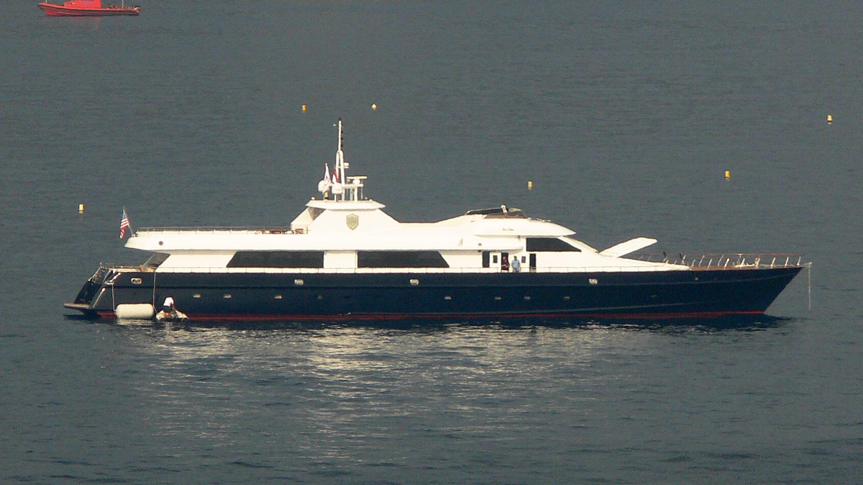 sea-star-yacht-exterior
