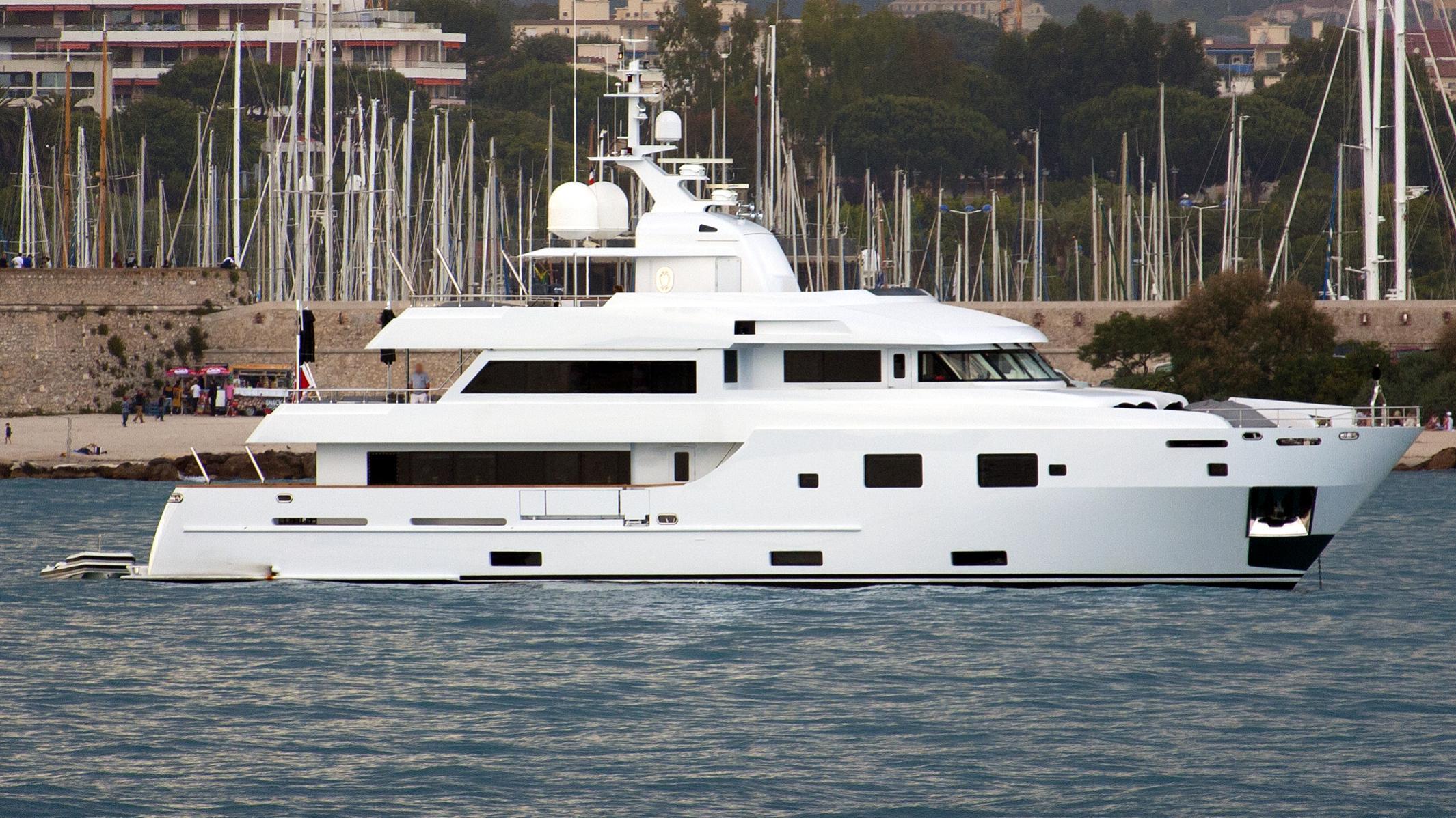 tommy belle jbh motoryacht lubeck yachts 35m 2011 profile