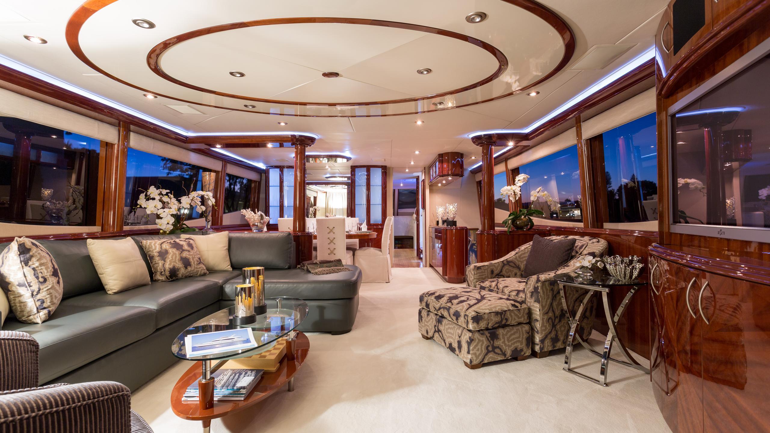 cristobal-yacht