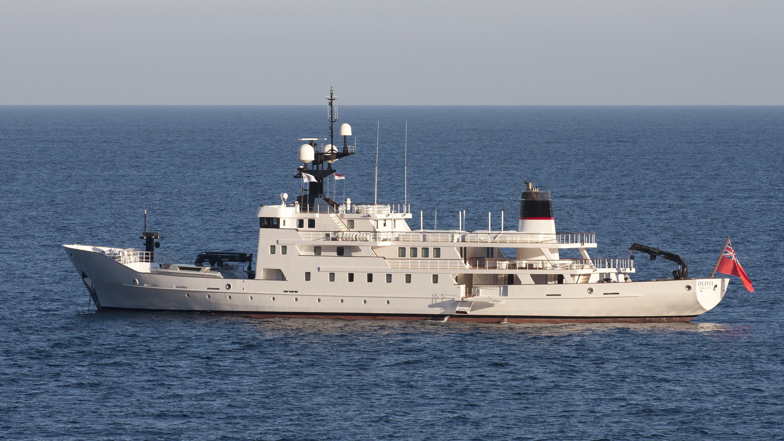 olivia-yacht-exterior