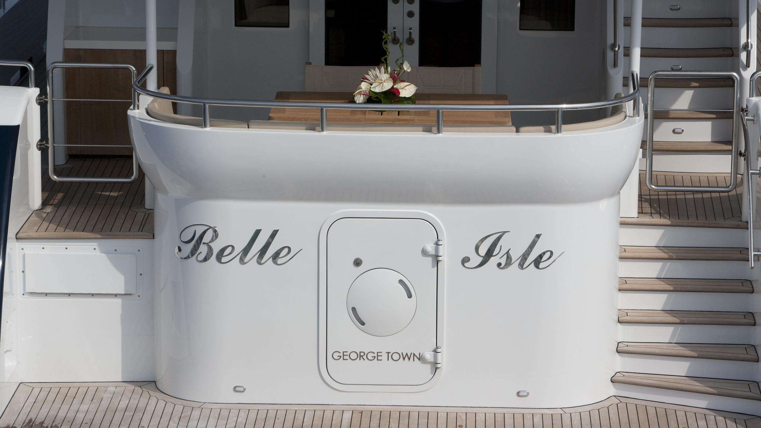 belle-isle-yacht-aft-deck-name
