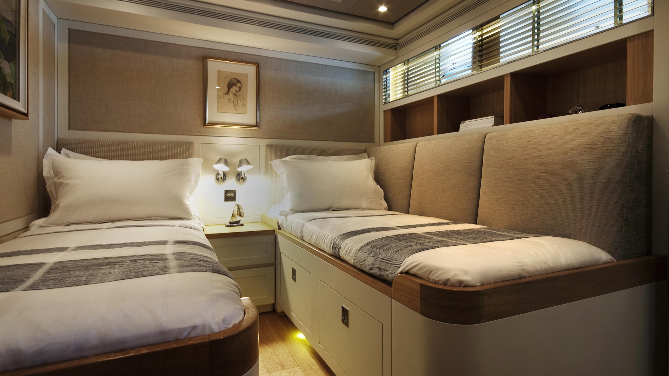 belle-isle-yacht-twin-cabin