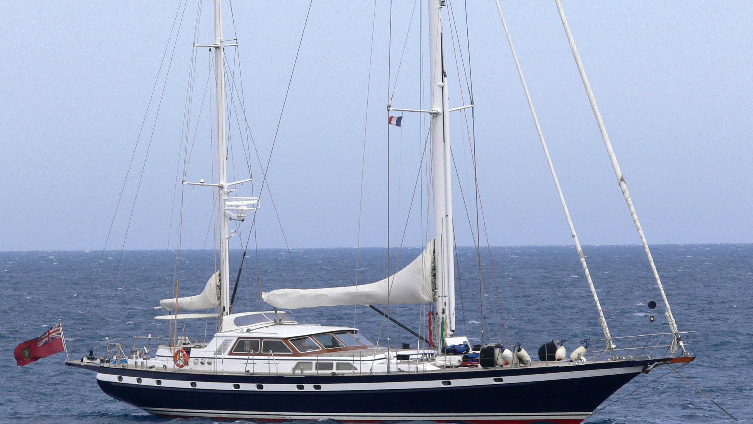solaia-yacht-exterior
