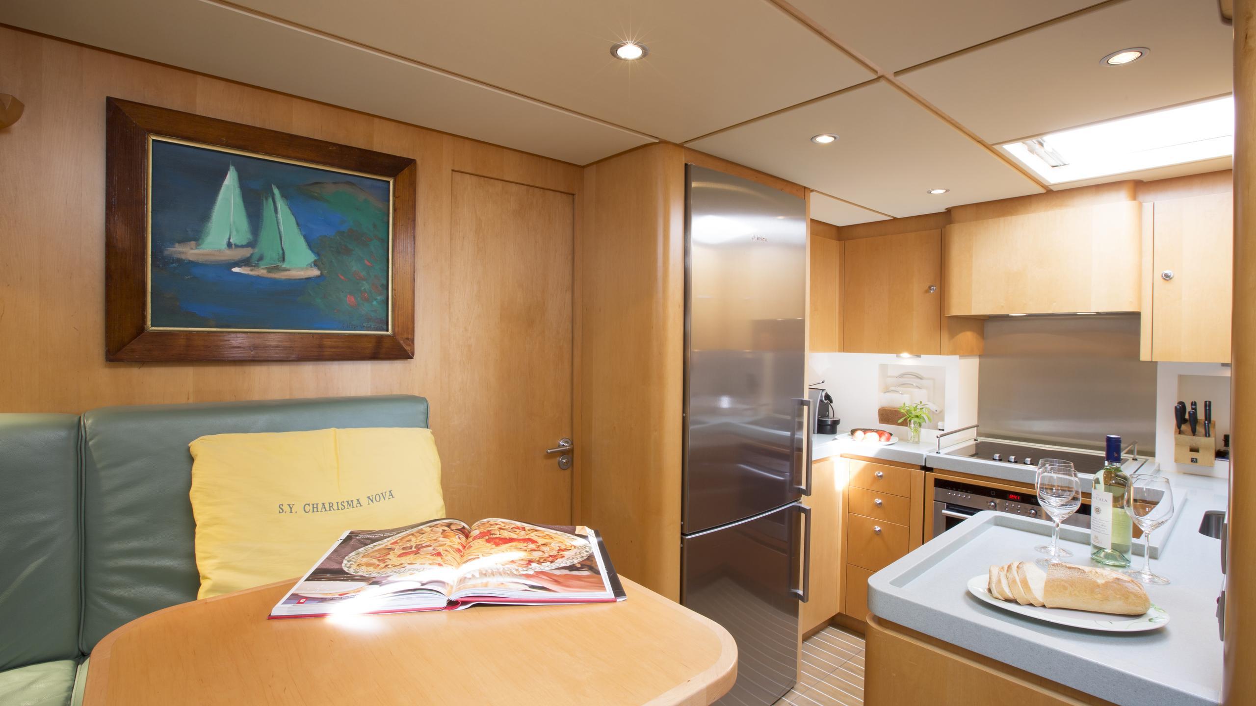 charisma-nova-yacht