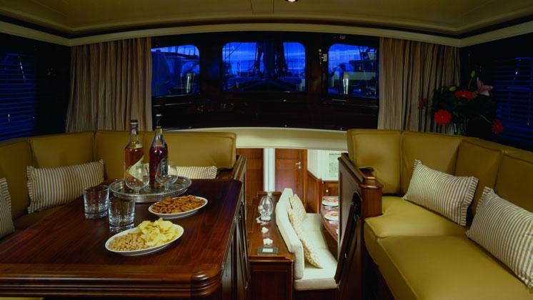 atao-yacht-saloon