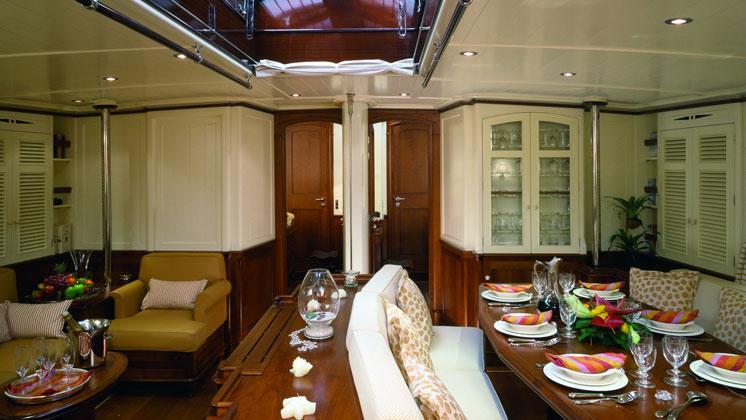 atao-yacht-dining