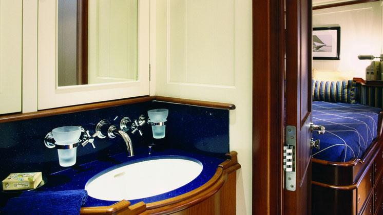 atao-yacht-bathroom