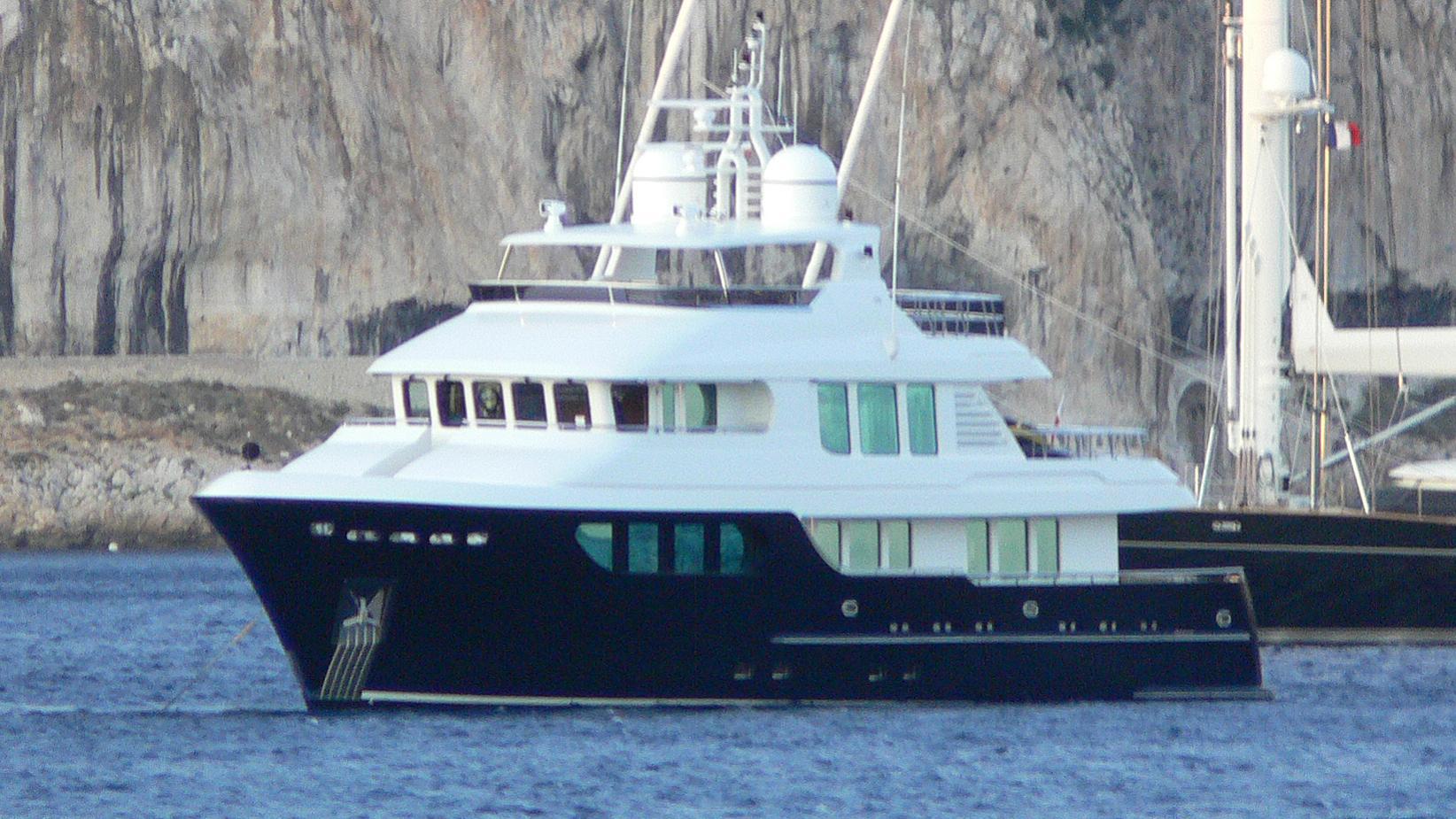 little-blue-yacht-exterior