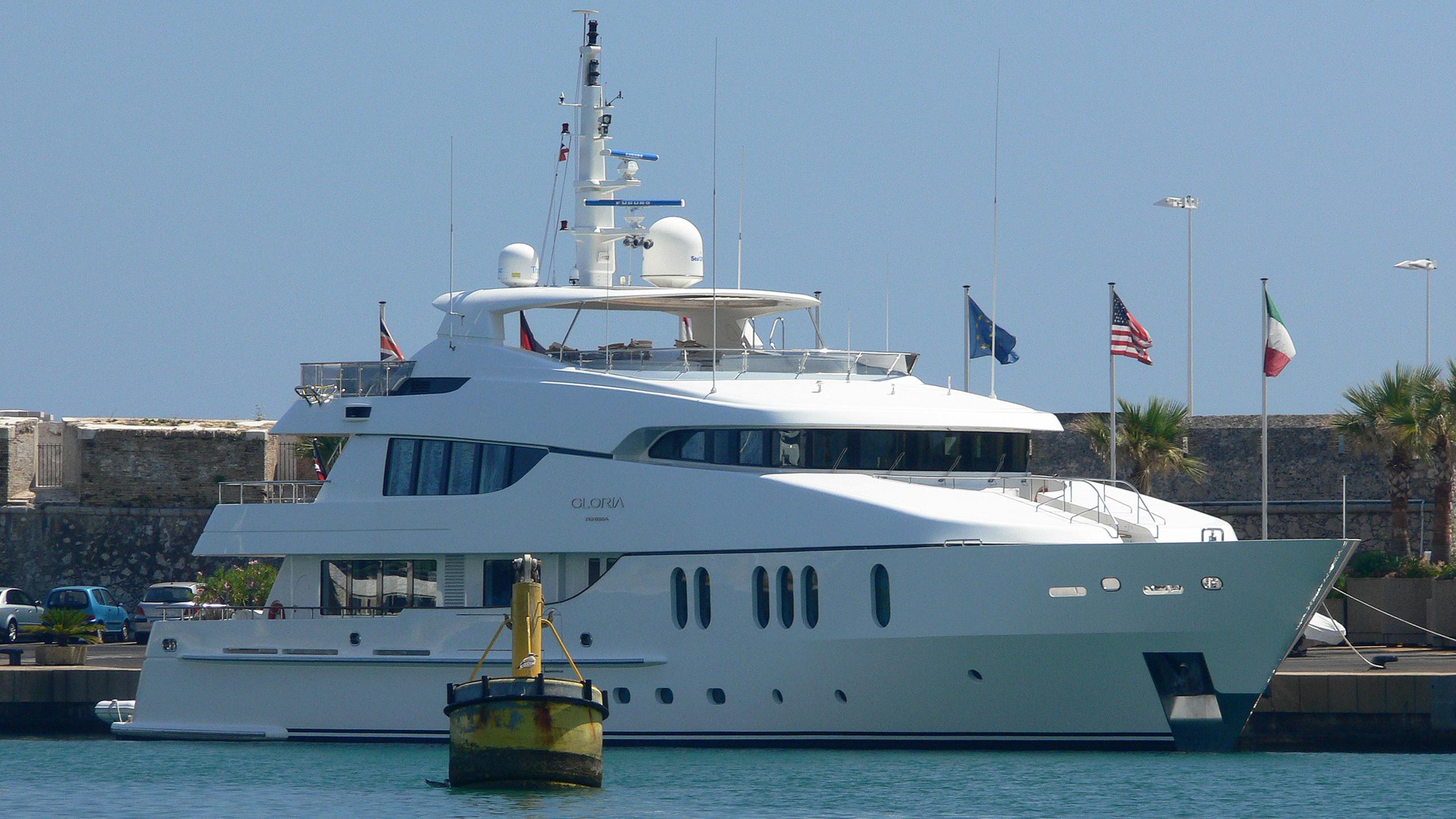 gloria-teresa-yacht-exterior