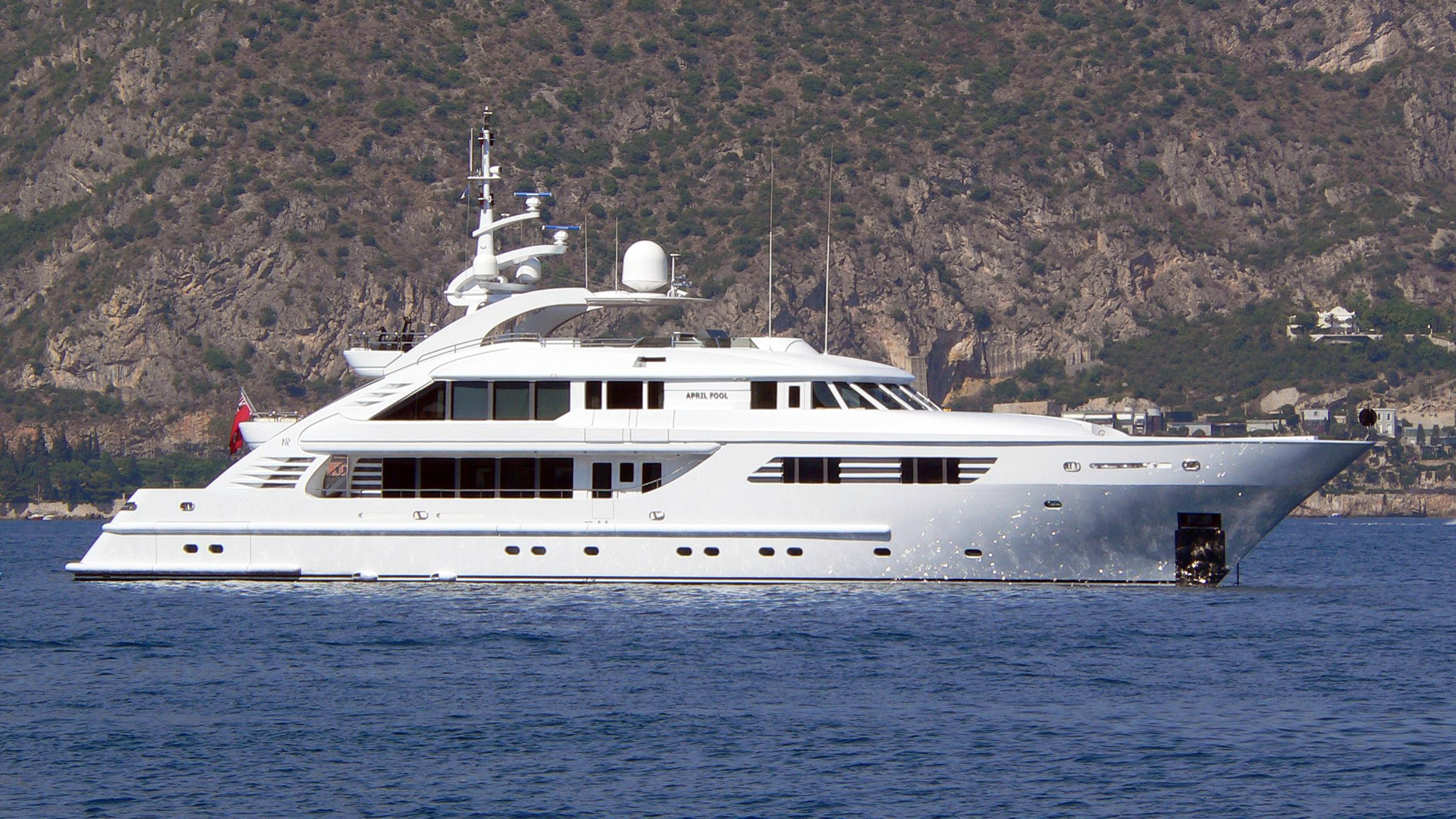 lady mm 360 sonka motoryacht isa yachts 47m 2003 profile before refit